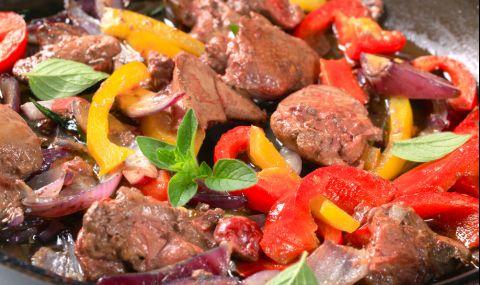 Рецепта за вечеря: Задушен свински дроб с лук и чушки - 1