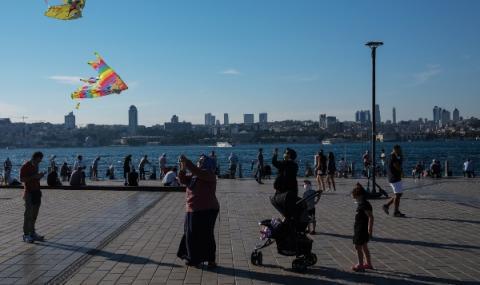 Рекордно ниска посещаемост на туристи в Истанбул