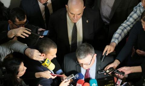 Ами сега? Гешев може да предизвика българска Пражка пролет
