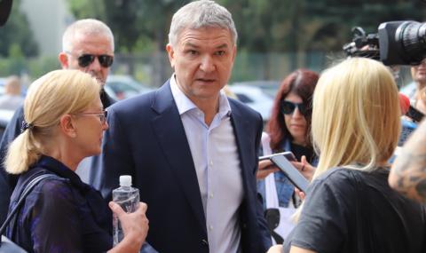 След чатовете с Бобоков: Привикват посланик Румен Петров за обяснения в МВнР
