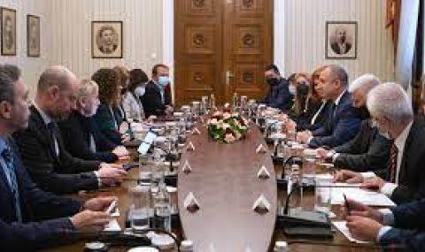 Наблюдателите от Брюксел призовават ЕК да засили мониторинга над България - 1