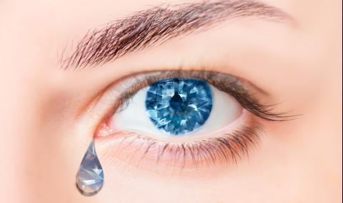 Момиче плаче с кристални сълзи (ВИДЕО + СНИМКИ) - 1