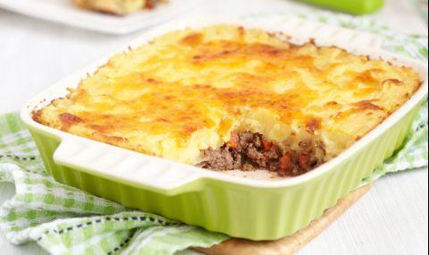 Рецепта за вечеря: Запеканка с тиквички, картофи и кайма - 1