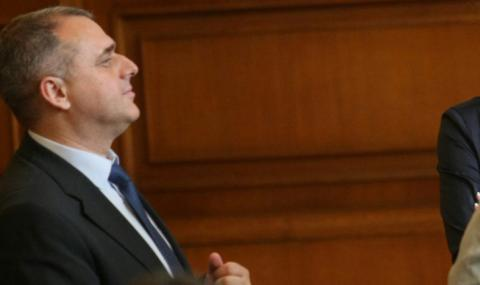 """Искрен Веселинов: Търговските вериги са """"леко арогантни"""""""
