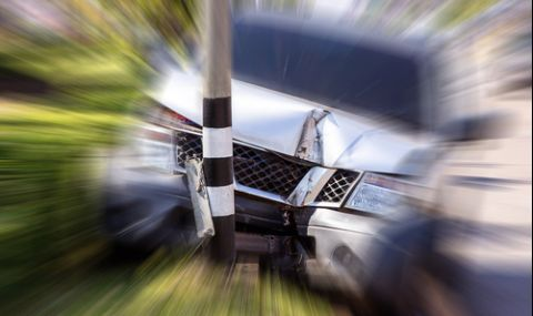 Пиян шофьор уби един и рани трима при жесток инцидент в Сливенско