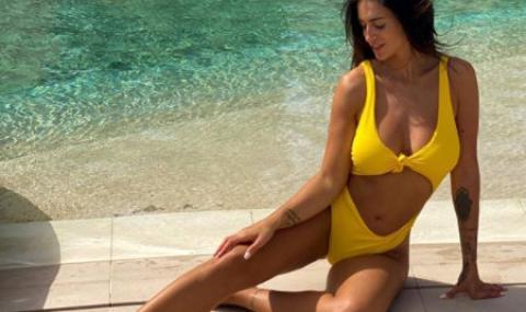 Марио Балотели хлътнал по модел: Предложил ѝ брак само месец след първата им среща