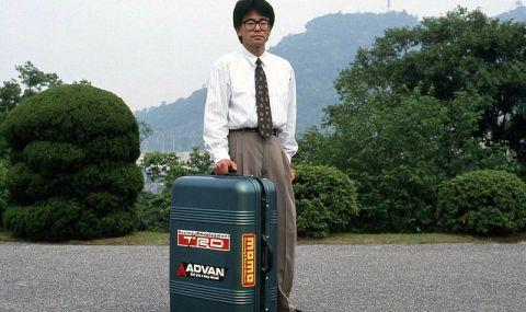 Автомобил, побиращ се в куфар или за една технология на Mazda от 90-те