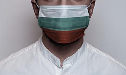 Психолингвист: Нелогично е хората на площада да са без маски, а децата в училище - да