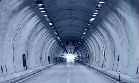 """Ремонт затваря едната лента на тунел """"Траянови врата"""""""