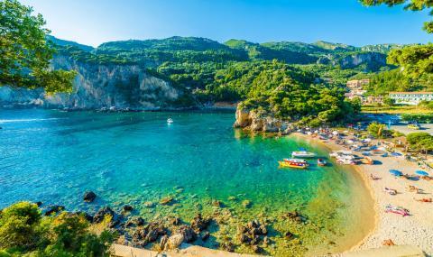 Гърция чака туристи през юли