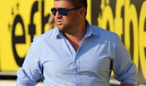 Недялко Москов не вижда изход за Нефтохимик
