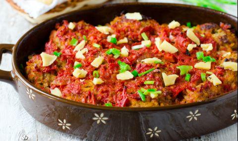 Рецепта за вечеря: Свинско с пикантен доматен сос - 1