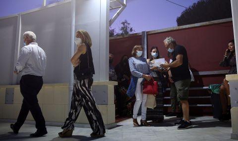 Скок на новите случаи на COVID-19 в съседна Гърция