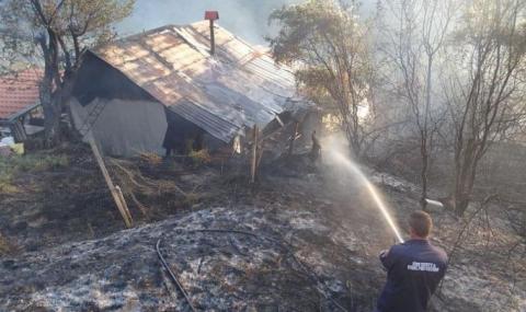 Изгоряха четири обитаеми къщи над Благоевград
