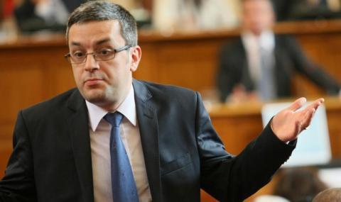 Биков: Васил Божков не произведе нищо за 30 години