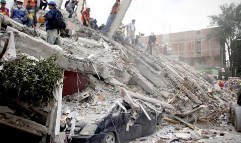Мексико се възстановява трудно след 7.1 по Рихтер (СНИМКИ)