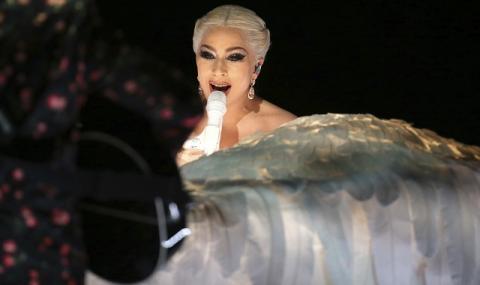 Лейди Гага стяга куфари за Вегас (ВИДЕО)