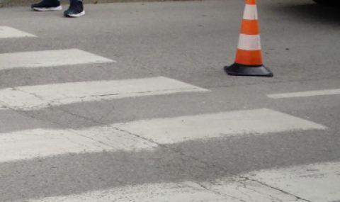 Блъснатата с децата си на пешеходна си тръгва от България