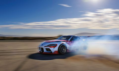 Toyota показа Supra, която може да дрифти сама  - 1