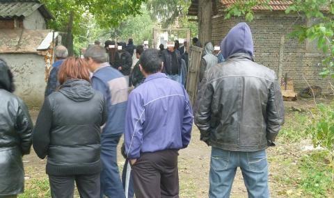 Разбиха лихварска група, купувала гласове за вота