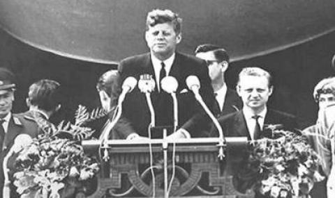 8 ноември 1960 г. Джон Кенеди е избран за 35-и президент на САЩ