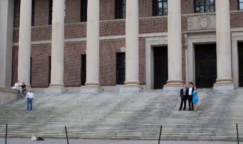 Университети съдят Доналд Тръмп