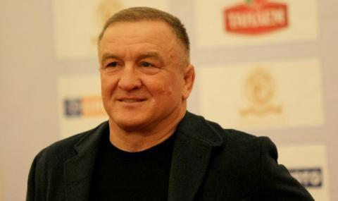 Симеон Щерев пое женския национален отбор по борба на Русия