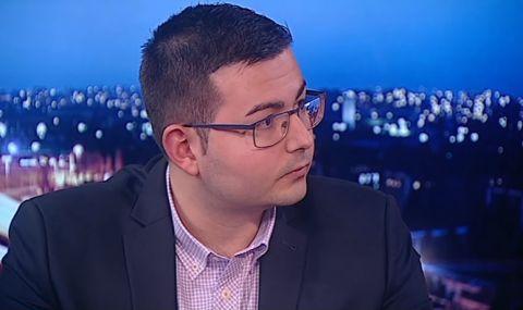 Емил Соколов: Петков и Василев се справиха добре като служебни министри, но е важно накъде ще залитнат сега - 1