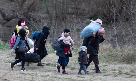 Изпратиха към гръцката граница още 100 служители