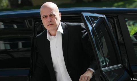 Бунт  в ИТН! Депутати заплашили Слави Трифонов с напускане заради Николай Василев