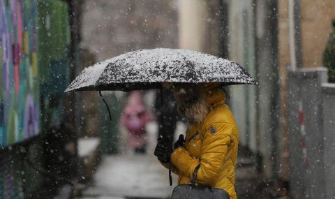 68 машини са чистили снега през нощта в София