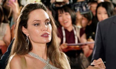 Холивудска звезда загрижена за жените в Афганистан - 1