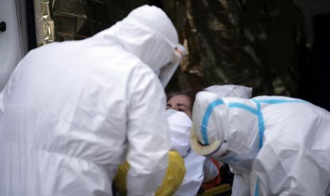 Интензивните отделения на съседна държава са пълни с болни от коронавирус - 1