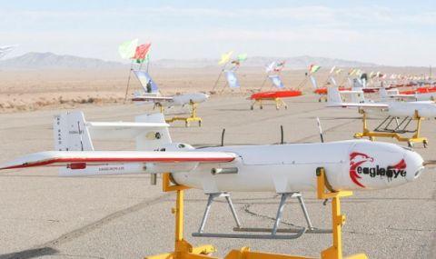 Бойна мощ! Иран тества дронове във военно учение
