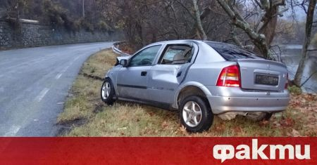 Двама души пострадаха при челен удар на пътя Враца –