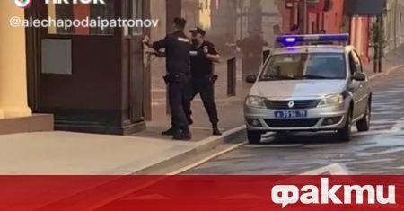 В Москва старши полицейски лейтенант се застреля на контролно-пропускателен пункт