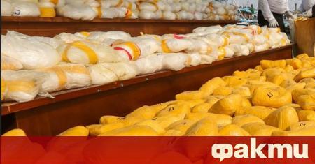 Митническите власти на пристанище Ротердам откриха 300 кг кокаин. Те