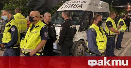 МВР разпространи кадри от снощния случай на кръстовището на Софийския