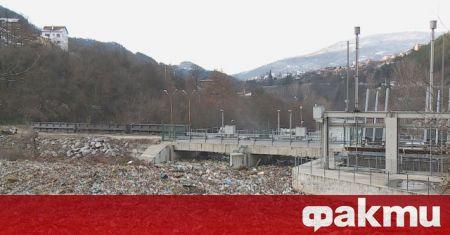 До момента са извадени 457 тона боклуци от плаващото сметище
