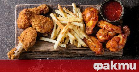 Необходими продукти: 6 пилешки долни бутчета сол - на вкус