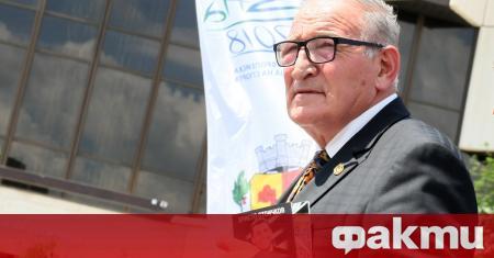 Почетният президент на ЦСКА Димитър Пенев говори пред журналистите преди