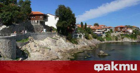 Бургаският районен съд разпореди да бъде съборена част от крепостната