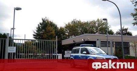 Германската полиция е прекратила голямо парти в Хьохст, съобщи Дойче