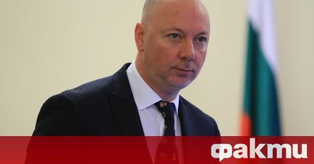 Министърът на транспорта Росен Желязков и представителите на фирмите за