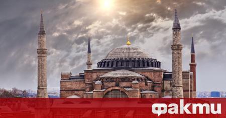 Турските издания коментират очакваното днес решение на турския Държавен съвет,