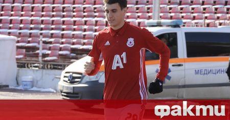 Защитникът на ЦСКА Пламен Гълъбов е в Сърбия. Той е