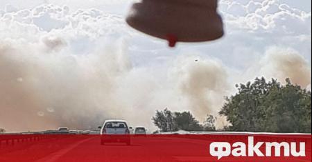 Пожар е избухнал в непосредствена близост до АМ
