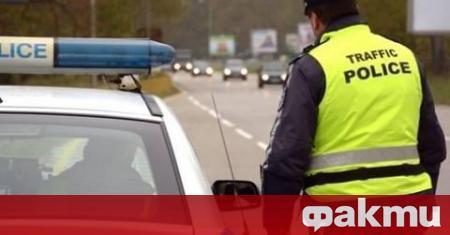 Опасен инцидент с полицай и моторист е станал в София.