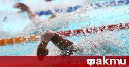 Представители на федерацията ни по плувни спортове, сред които президентът