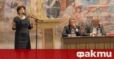 Емоционален пристъп получи председателката на НС Цвета Караянчева по време